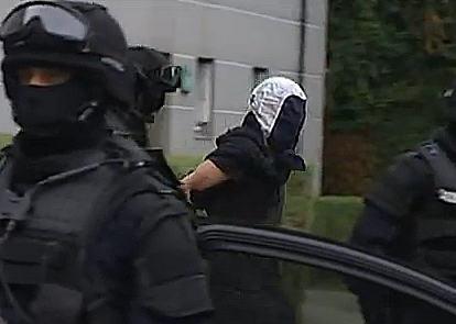 עשרה חשודים והרוג במבצע לסיכול טרור בצרפת