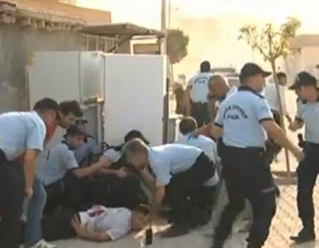 נפגעים בתקיפה הטורקית בעיירה הסורית סמוך לגבול (מקור צילום: יו טיוב)