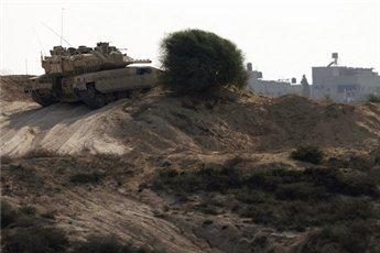 הפלסטינים: מסוק פגע באש מקלעים בילד והרגו