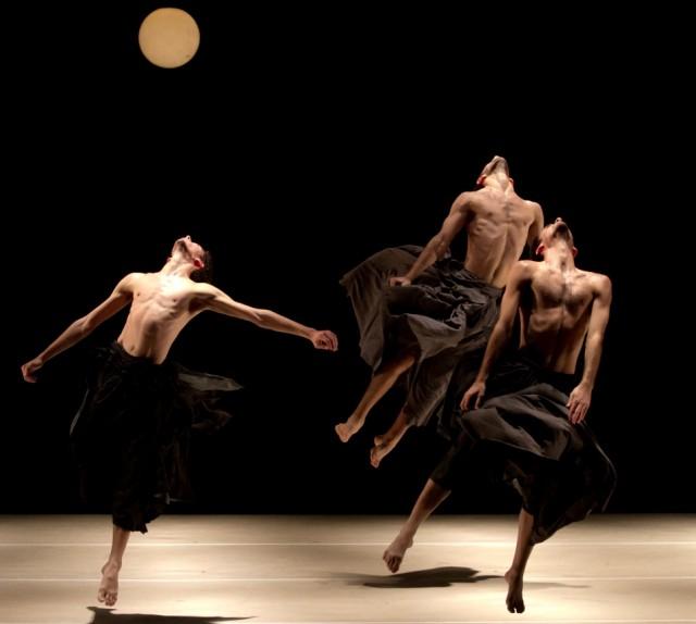 רוקדים בלי כוכבים