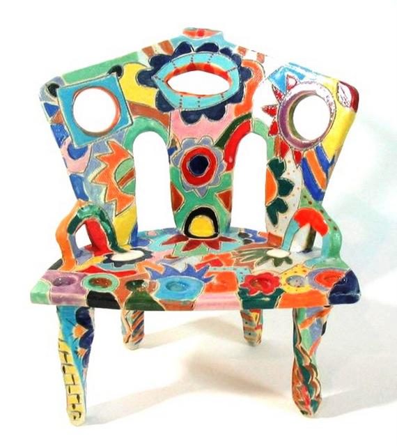 """חנוכית כסא בעיצוב גיתית טן-פי. גלריה """"8 ביפו""""."""