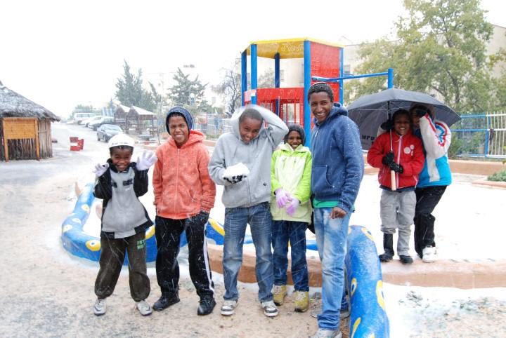 שלג ראשון בישראל לעולים החדשים מאתיופיה