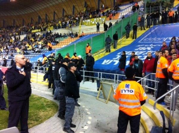 כוחות גדולים של משטרה מנעו תקריות באצטדיון טדי
