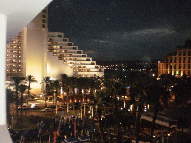 אזור המלונות באילת. כשמחירי המלונות עולים לציבור הרחב, הם עולים גם לוועדים. (צילום: עירית רוזנבלום)