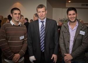 האחים זיו עם שר התיירות, סטס מיסז'ניקוב, בכנס התיירות בהרצליה בחודש שעבר. (צילום: דפנה טל)