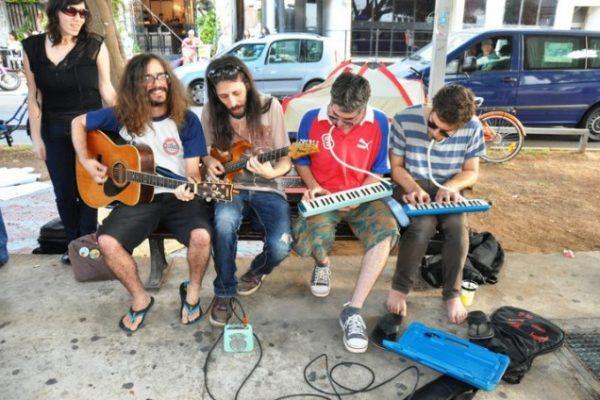 המוזיקאים והאמנים מסתערים על רחובות תל-אביב