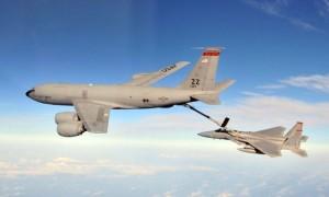 מטוס תדלוק KC-135. הבסיס הוא מטוס בואינג 707 הוותיק. צילום: ויקיפדיה