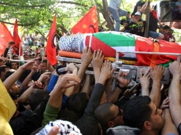 לוויתו של אבו חמדיה בחברון (צילום: PNN)