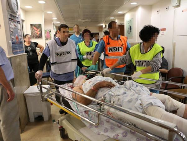 """ששה מההפצועים מובאים לבית החולים רמב""""ם בחיפה  (צילום: ביה""""ח רמב""""ם)"""