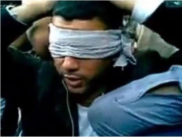 אחד החטופים בסרטון ששיחררו אמש החוטפים