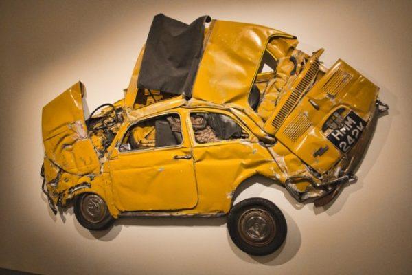 רון ארד מציג: עיצוב - ואמנות מעיכת המכונית ברוורס