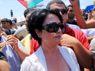 """ח""""כ חנין זועבי בהפגנה (צילום: פאנט)"""