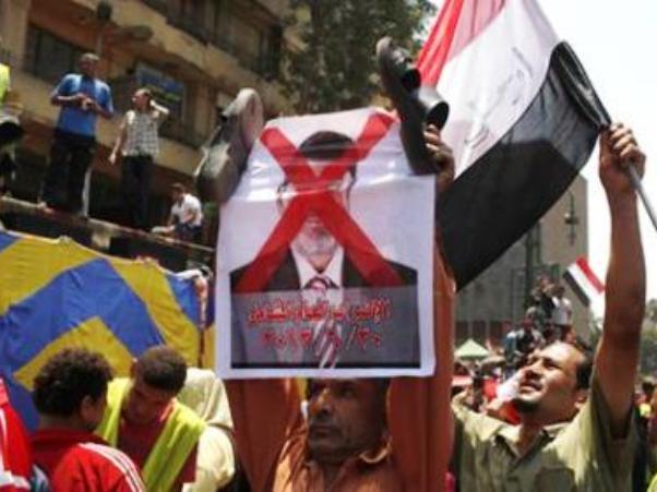 מהומות במצרים: שבעה הרוגים ו-606 פצועים
