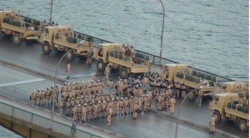 הצבא הדיח את מורסי. ההמון חוגג בכיכרות מצרים
