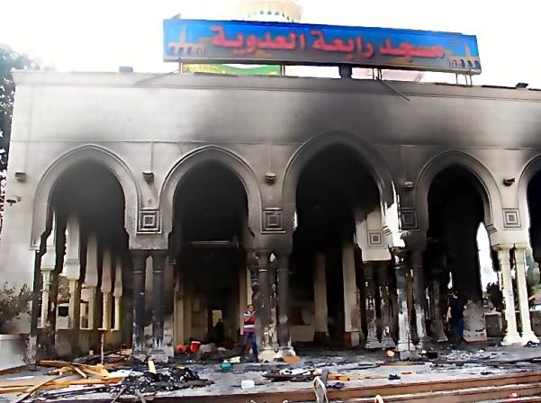מסגד שרוף בקהיר (צילום בלעדי: העיתונות המצרית)