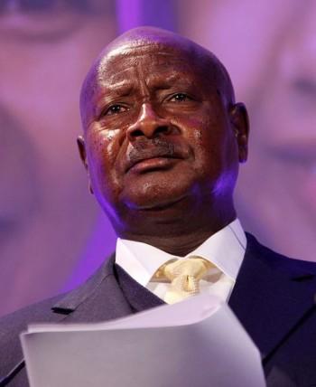 אוגנדה: נערה שהרגה את אביה האנס נדונה לשש שעות מאסר בלבד