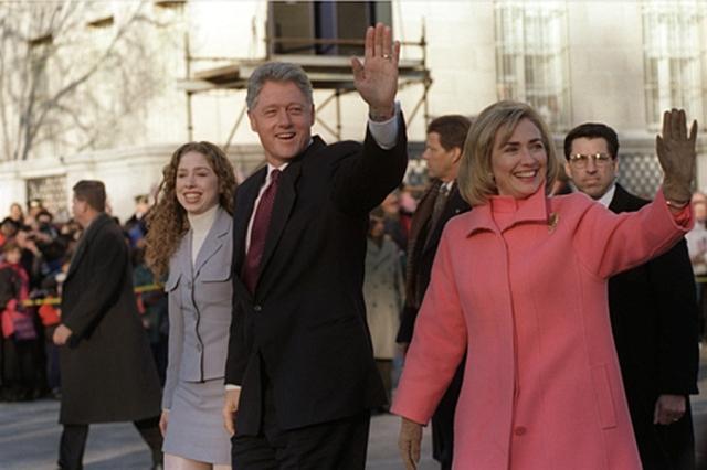 הילארי קלינטון ובעלה - למי שזוכר... (ויקימדיה)