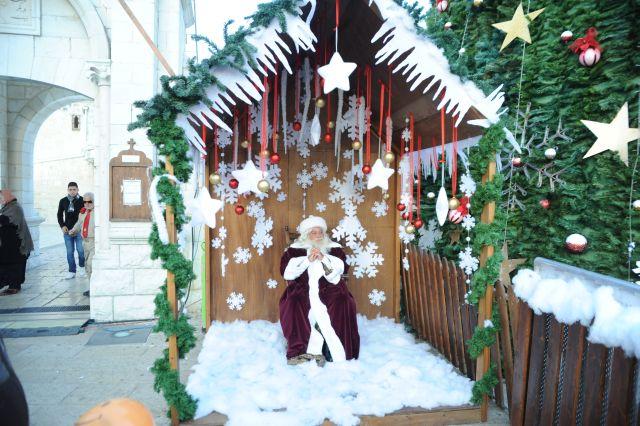 כריסמס בנצרת בשנה שעברה.  עץ אשוח, מופעי חוצות. ירידי אוכל ואמנות