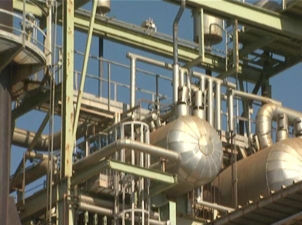 תחנת הכוח בעזה  עובדת על פחות משליש מהתפוקה  (צילום: אל-ג'אזירה)