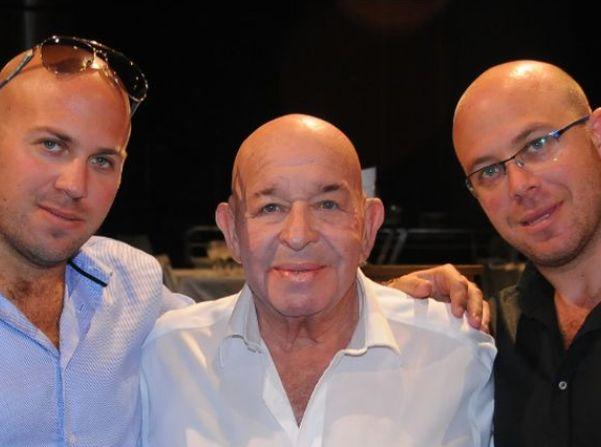 יוסי נוימן ושני בניו צחי וחן, הבעלים של קבוצת אלון. הצטרפו למרוץ לרכישת אי.די.בי