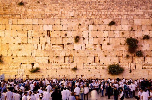 הכותל המערבי הוא האתר המבוקר בירושלים . (צילום: נועם חן למשרד התיירות)