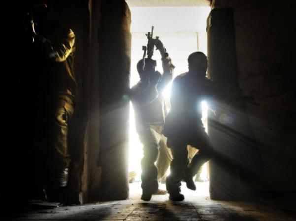 """שני פלסטינים נהרגו ושבעה נפצעו בפעילות כוח צה""""ל בגדה"""