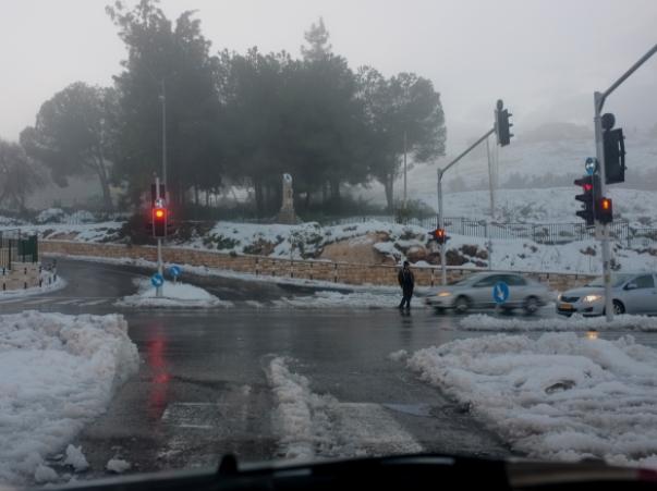 הסערה עוד לפנינו: שלג בירושלים, בשומרון ובצפון