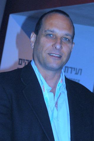 בן מנחם: דה פריס לא יהיה מנהל הטלוויזיה
