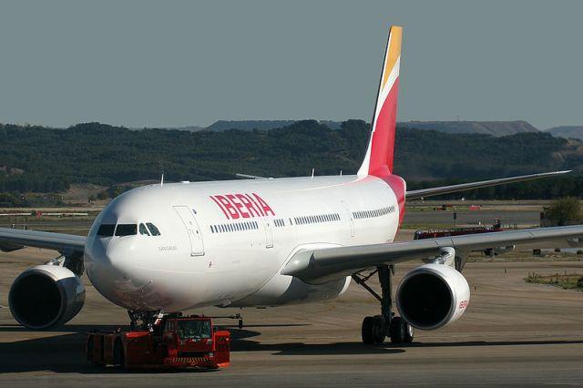 מטוס איירבס A330-302, בצבעי הלוגו החדש של איבריה. צילום: איבריה