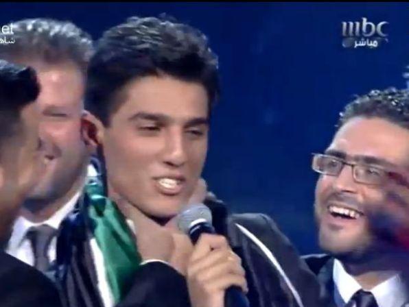 מוחמד עאסף זוכה בתואר זמר השנה בתחרות הערב איידול 2013