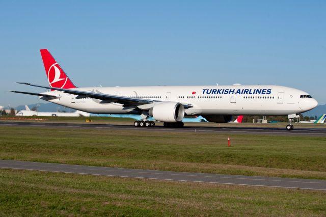 מטוס בואינג 777-300ER של טורקיש איירליינס