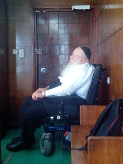 אברהם פיינר בבית המשפט (צילום: אליק מאור)