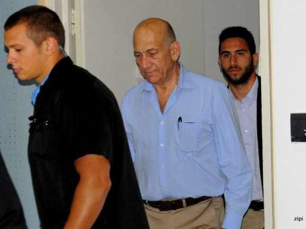 אולמרט מגיע לבית המשפט (צילום: ציפי מנשה)