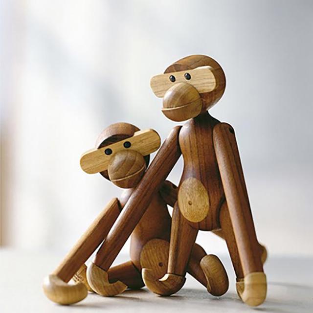 קופי משחק מעץ בעיצובו של Kay Bojesen (1886-1958) Rosendahl תרומה לתערוכה של Design Group Denmark