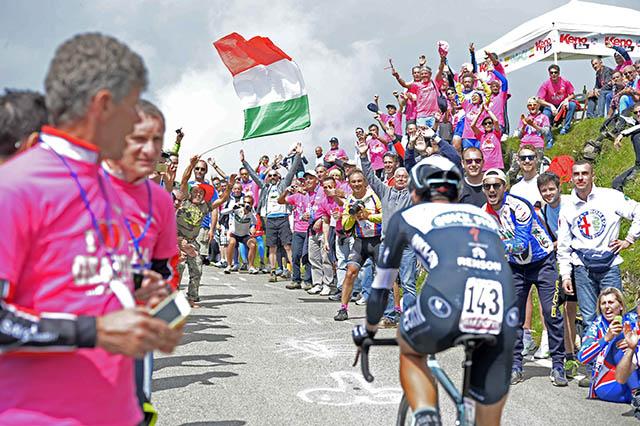 """אתמול (יום עבודה) הגיעו אוהדים ומעודדים רבים למסלול הנג""""ש המרוחק. צילום: Fabio Ferrari - LaPresse"""