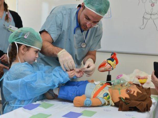 """""""בית חולים לדובים"""" בפקולטה לרפואה בגליל"""
