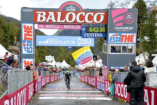 על קו הסיום בוואל מורטלו. צילום: Marco Alpozzi / LaPresse