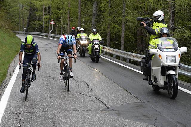 קינטנה (מוביסטאר) ראשון ואחריו הזיידל (גארמין-שארפ). צילום: Fabio Ferrari - LaPresse