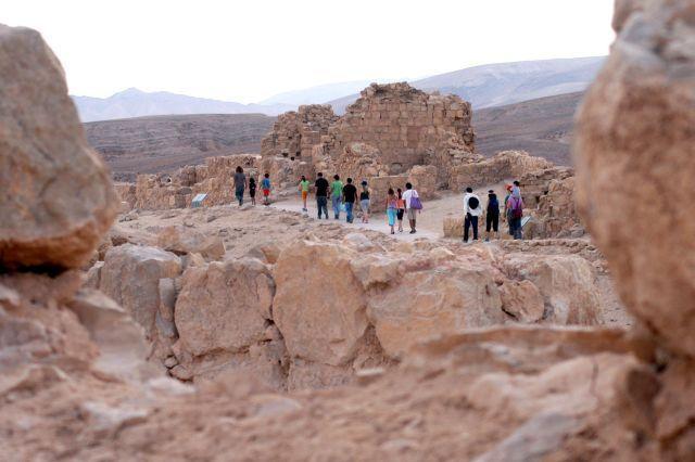 תיירים במצדה. במאי נרשם מספר שיא של תיירים לישראל
