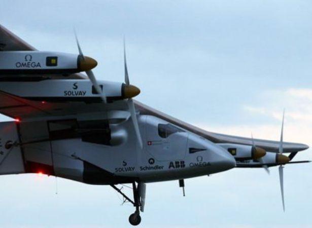 """סולאר אימפולס 2 בזמן טיסתו. צילום יח""""צ"""