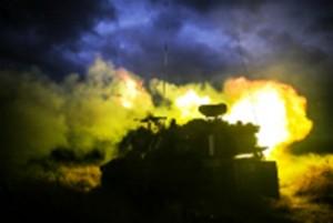 """טנקים השיבו באש (צילום אילוסטרציה: דובר צה""""ל)"""