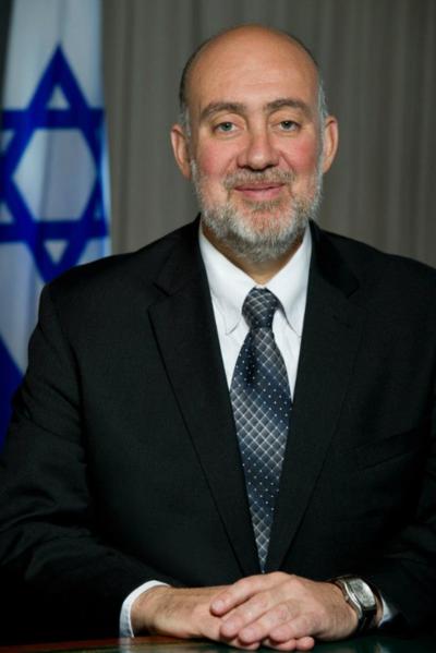 """""""ישראל הפכה מורגלת מדי בכאב של טרור ומלחמות"""". רון פרושאור (צילום: ויקימדיה)"""