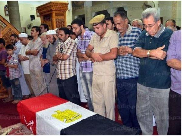 תפילה על ארבעת החיילים שנהרגו (מקור: אלמצרי אליום)