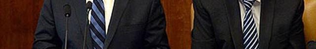 """נתניהו בפתח ישיבת הממשלה. מצטרף להסכם שכר המינימום שנחתם בין ההסתדרות לנשיאות הארגוניים העסקיים. צילום: חיים צח / לע""""מ"""