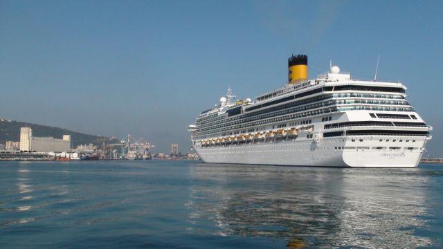 אוניה של קוסטה נכנסת לנמל חיפה. מד קרוזס הצטיינה במכירות באירופה. (צילום באדיבות נמל חיפה)