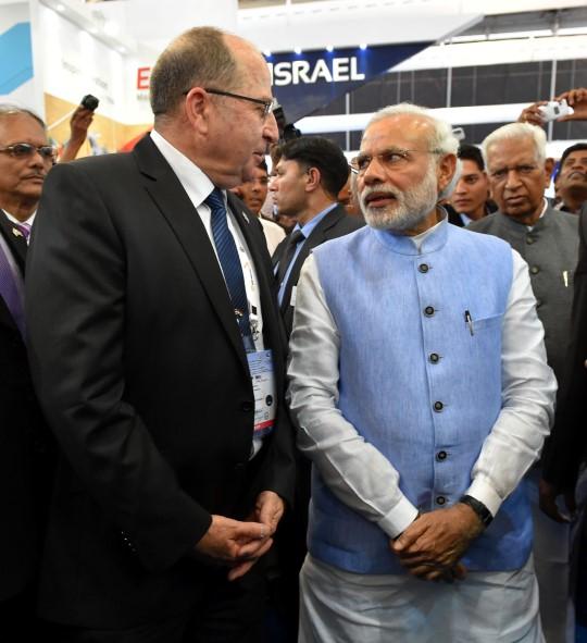 השר יעלון עם ראש ממשלת הודו, נרדנרה מודי (צילום: אריאל חרמוני, משרד הביטחון)