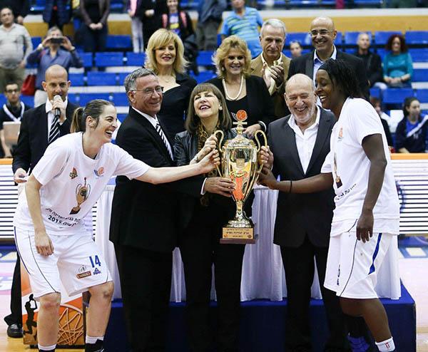 הרצליה מחזיקת גביע המדינה בכדורסל נשים. צילום: נעם מורנו, איגוד הכדורסל