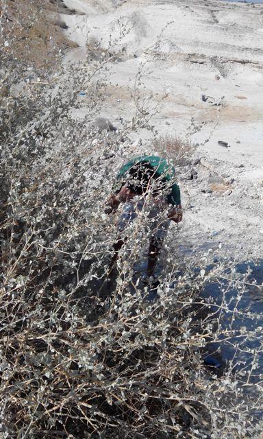 סייען שעזר לישראל במשך שנתיים, נמלט למערה, אוכל מפחי זבל וחושש לחייו