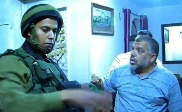 חסן יוסוף בעת מעצרו בשנה שעברה (צילום: ארכיון דובר צהל)