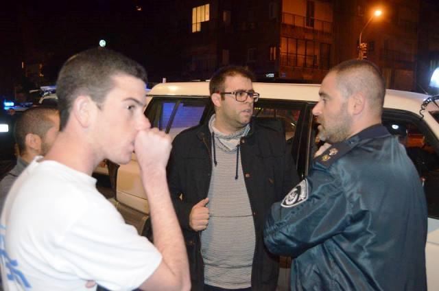 """ח""""כ אורן חזן נחסם על ידי המשטרה (צילום: רפי מיכאלי)"""